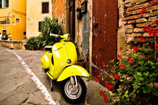 Vespa tours, a unique way to discover Italy