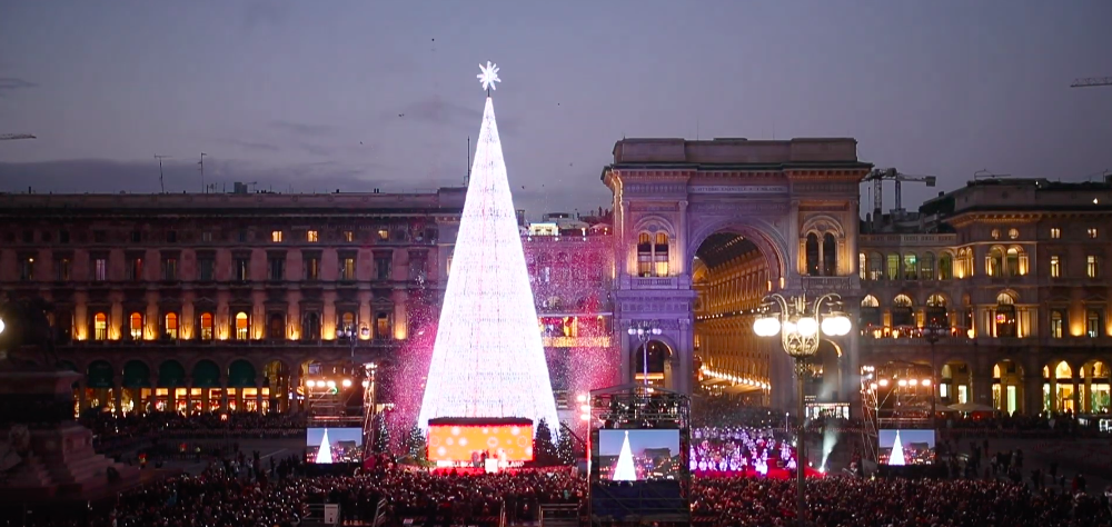 In Milan, there is a technological and sustainable Christmas tree