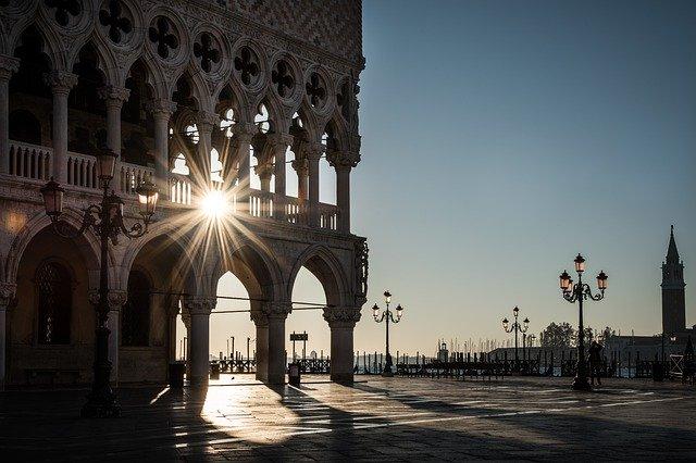 Venice-sky-sun