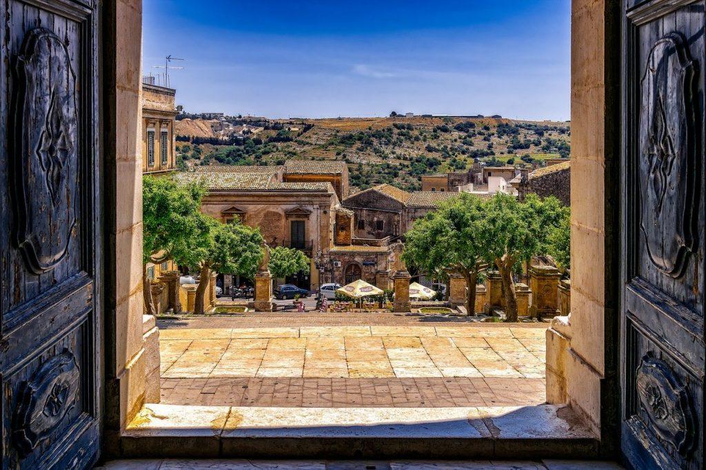 Sicilia-nature-door-landscape