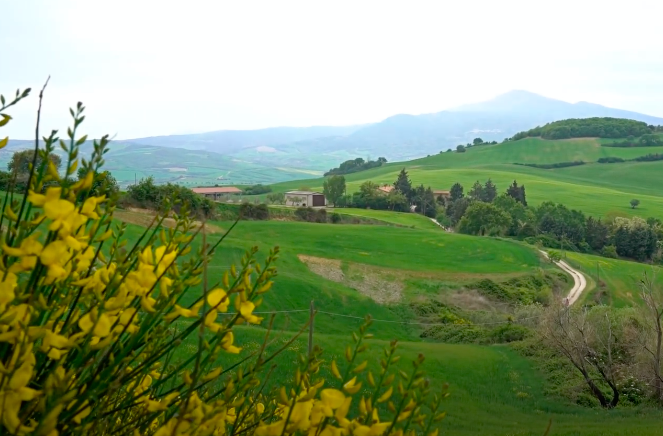 val-orcia-nature-sky-landscape