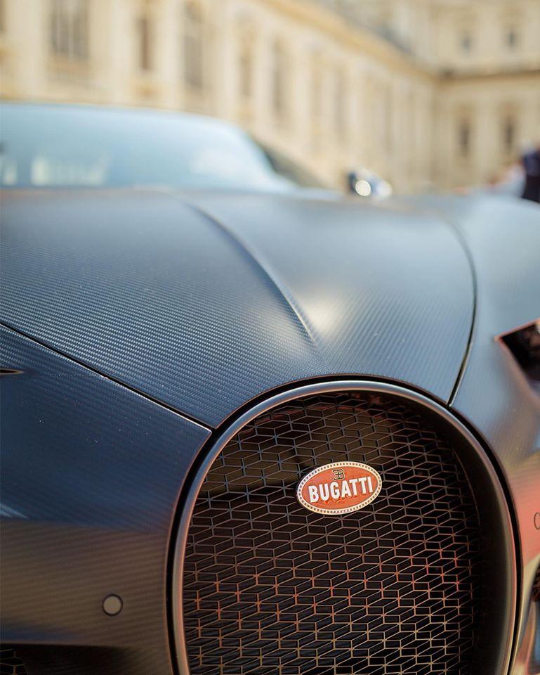 bugatti-car-logo